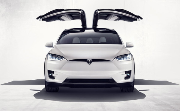 Tesla-Model-X4-725x450