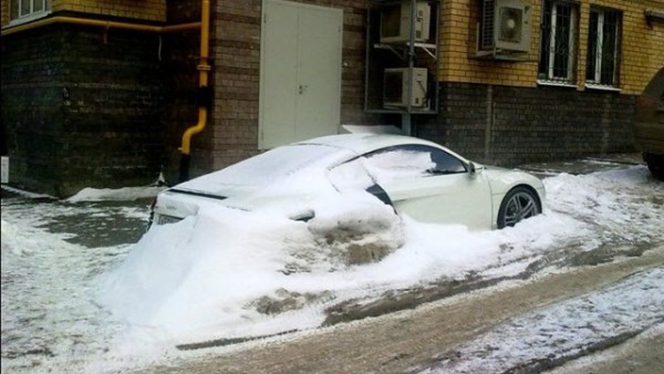 audi-r8-abandoned-in-russian-winter_4