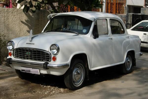 1280px-Hindustan_Ambassador_