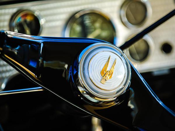 1957-studebaker-golden-hawk-supercharged-sports-coupe-steering-wheel-emblem-jill-reger