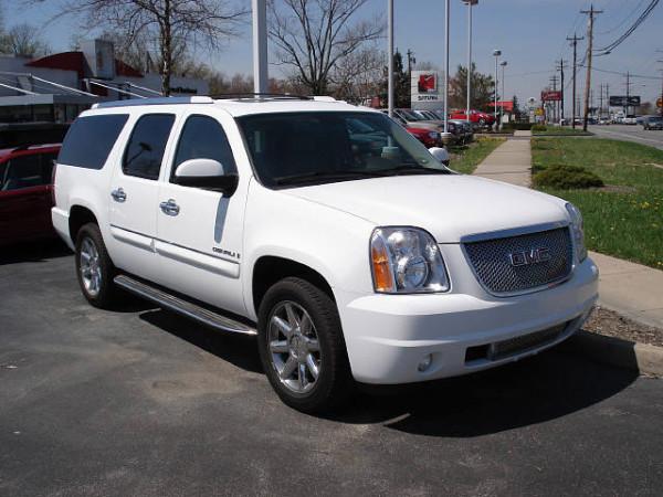 2008-GMC-Yukon-XL-4WD-SLE-1-1-2-Ton-1