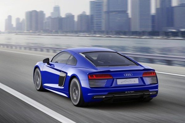 Audi-R8-e-tron-piloted-driving-concept-11