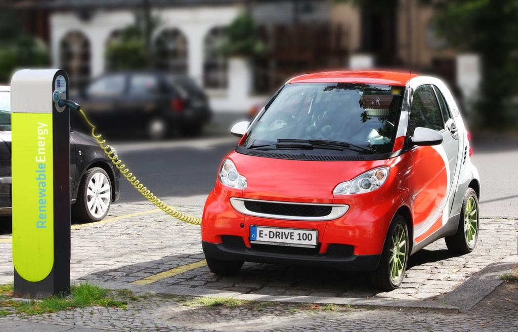 Electric_Car_recharging