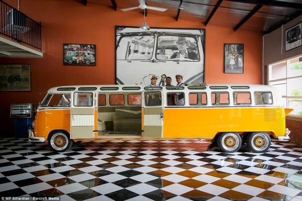 a-76-meters-long-volkswagen-kombi-is-probably-the-worlds-longest-hippie-wagon_4
