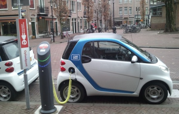georgia-looking-to-install-more-charging-stations-for-electric-cars-725x464