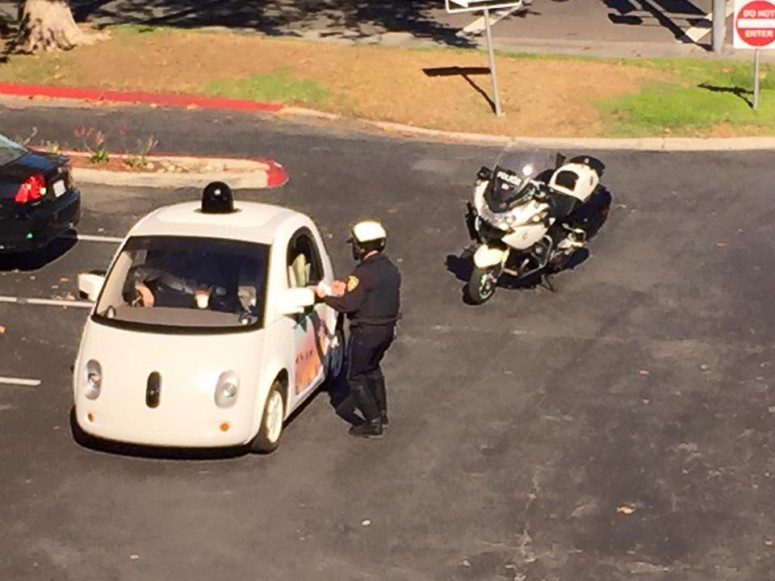police-stoped-google-self-driving-car-slow-low-speed-jpg_small