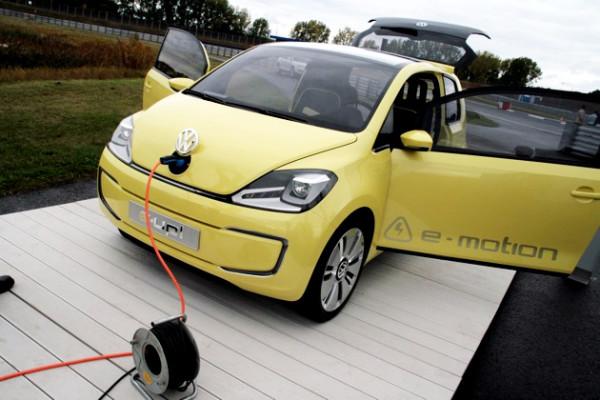 vw-ev-e-motion-charging11